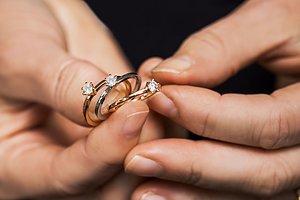 Guldbolagets enstensringar Ringar tillverkade i Småland