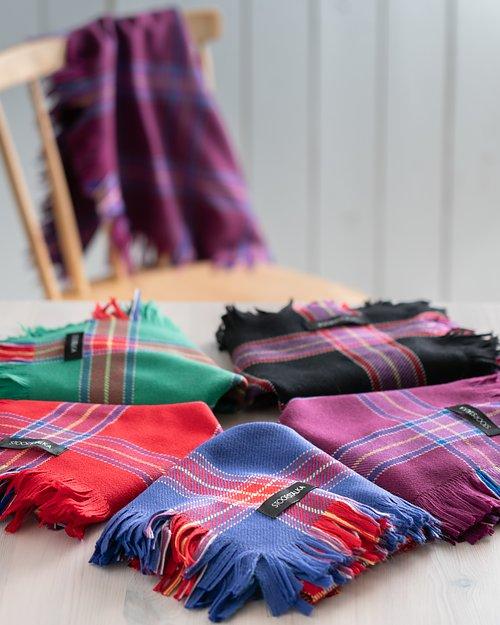 WOOL SHAWLS Sámi wool shawls