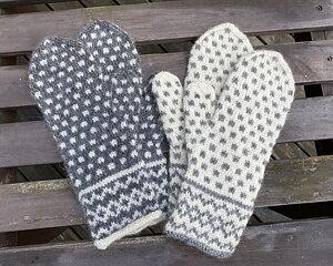 Värmdövanten - Stick-kit Komplett kit med garn och mönster. Räcker till 2 vantar ett par grå och ett par vita
