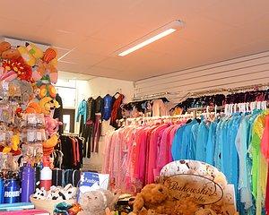 Besök vår butik i Göteborg Öppettider: Tisdag, onsdag och fredag 12-18, torsdag 12-19 och lördag 10-15 - Drop-in slipning torsdag 16-17.        Stängt måndagar april-augusti.     Öppet valborgsmässoafton (30/4) 12-18. Stängt första maj.