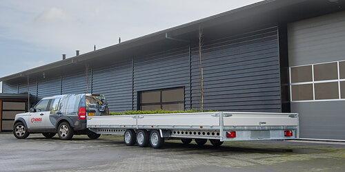 Stora kraftiga släp bra med vagnar i lager för omgående leverans!