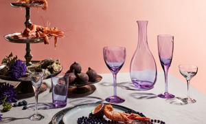 Kosta Boda Château firar 40 år! Nya glas i färgen multi.