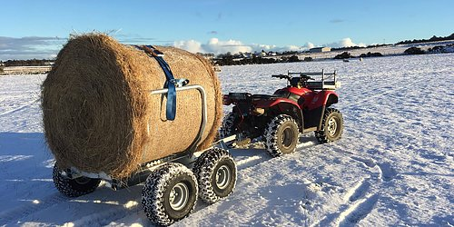 Balvagn från Chapman Machinery Underlättar jobbet på gården