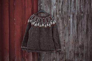 Var med på vår Knit-a-long!  Vi stickar Feathers in the wind tillsammans med Therese Lindahl från Wool Your Self