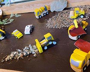 Träleksaker leksaker som tål att lekas med
