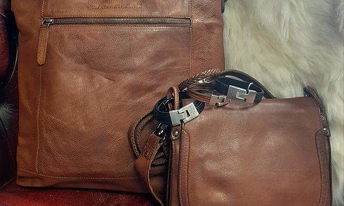 Ny väska? Hämta i butik eller få levererat.