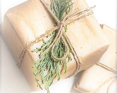Handla julklappen & presenten hemma... Vi slår in och skickar :-) Smidigare kan det inte bli! Lämna meddelande i kassan!
