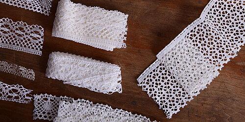 Linen lace trim