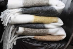 GOSIGA PLÄDAR  Textilier som förändrar rummet