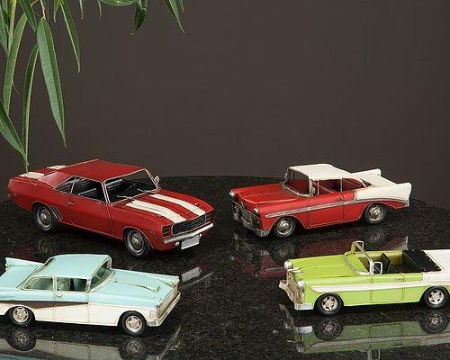 Handgjorda bilar i metall