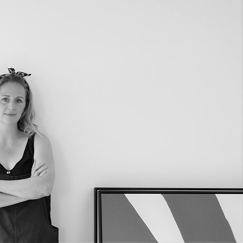 Mind Your Wall drivs av Johanna Ekblad som personligen målar alla tavlor>>
