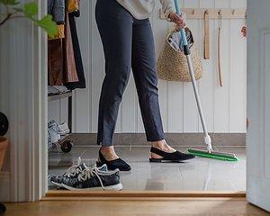 STÄDARTIKLAR Grundlig rengöring för ditt golv
