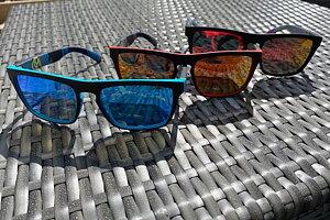 Ny modell solglasögon  Tre olika färgsättningar!